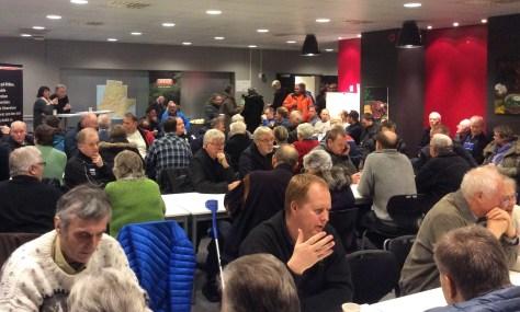 Mange interesserte møtte opp i Magnushallen for orientering om utbygging av fibernettverk på Frosta