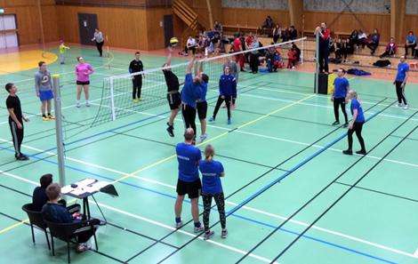 """Søppeldynga"" beseiret ""Aasgutten"" 23 - 16 i volleyballfinalen"