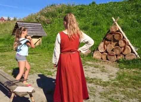 Øksekasting - del av Vikingetevlingen