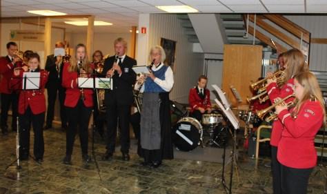 """Åpningsmusikk ved Frosta skolemusikk og Musikklaget """"Klang"""" - to sentrale institusjoner i Bjørn Olav Jubergs mangeårige virke"""