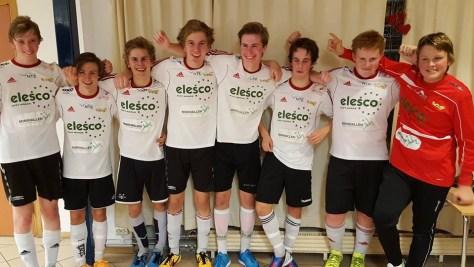 Neset FK G16 på Buvik-cup. Fra venstre: Sander Rise Hønnås, Jonas Høglin, Per Kristian Sandvik, Arne Kristian Jægtvold, Morten Finsvik Aatlo, Simon Qvarme, Vegard Aatlo og Egil Øien Veimo
