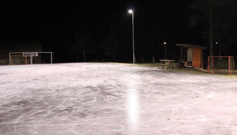 Rapp har igjen sørget for flott isbane på Myra