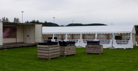 Nytt av året; eget telt med servering av øl fra Klostergården og salg av grillmat ved Frosta IL Ski. Norsvin sponser grisen!
