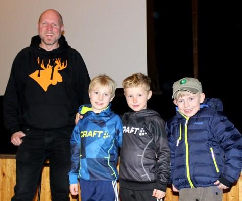 Inspirasjon til unge jegerspirer! Fra venstre: Kristoffer Clausen, Sigurd Stene Almlid, Robin Stene og Even Almlid
