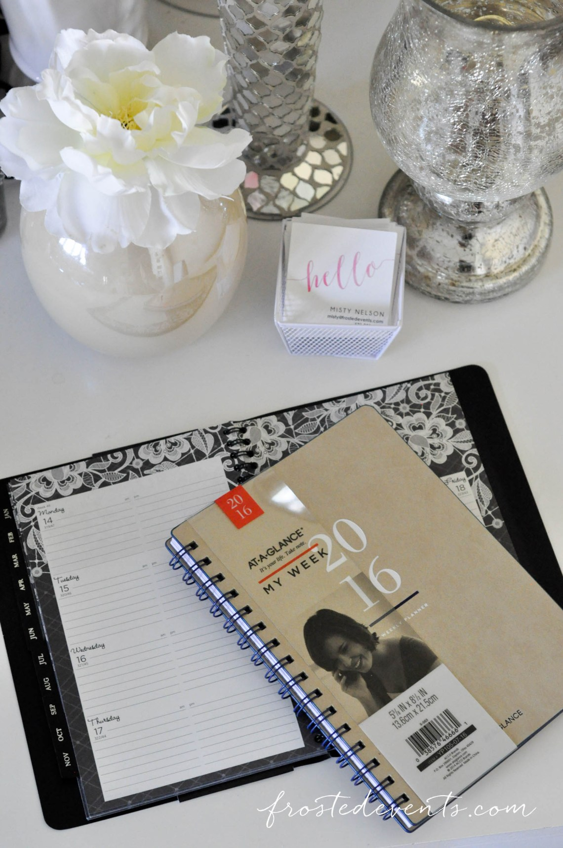 At a Glance Planner Organize Your Live www.frostedevents.com