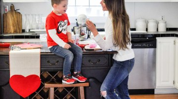 Valentines Day Ideas for Mommy and Me Dates With Your Child via Misty Nelson frostedmoms.com @frostedevents
