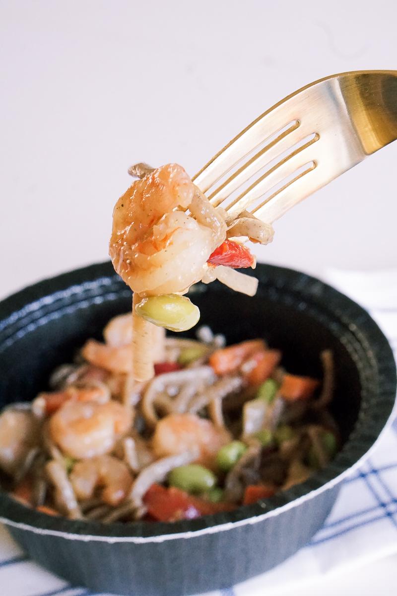 Easy Lunch Bowls - Gorton's Shrimp Bowls - Seafood Meal Ideas via Misty Nelson, food blogger frostedevents.com parenting blog