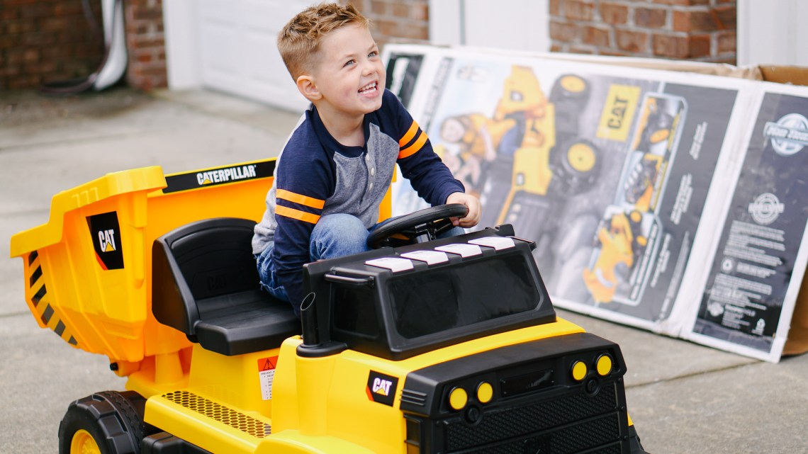 Kids Ride On Toys - CAT Dump Truck from KidTrax - Christmas Gifts for KIds 2018
