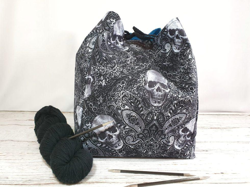 XL Komebukuro Bag mit Totenköpfen