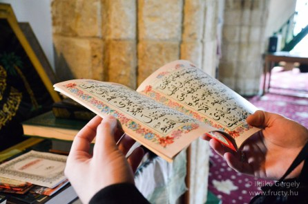 Hala Sultan Tekke könyvek