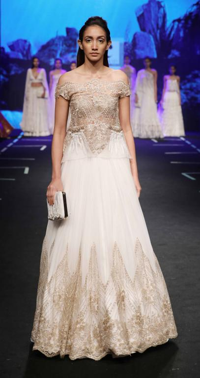 Wedding Guest Outfit Inspiration LFW 2017