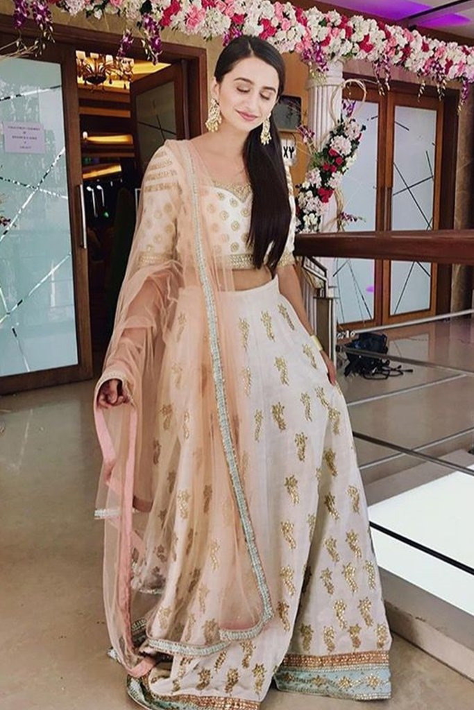 Anisha Sheet Outfit Price
