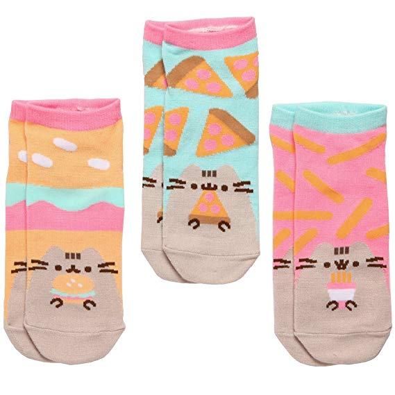 Pusheen socks - Pusheen Gift Guide