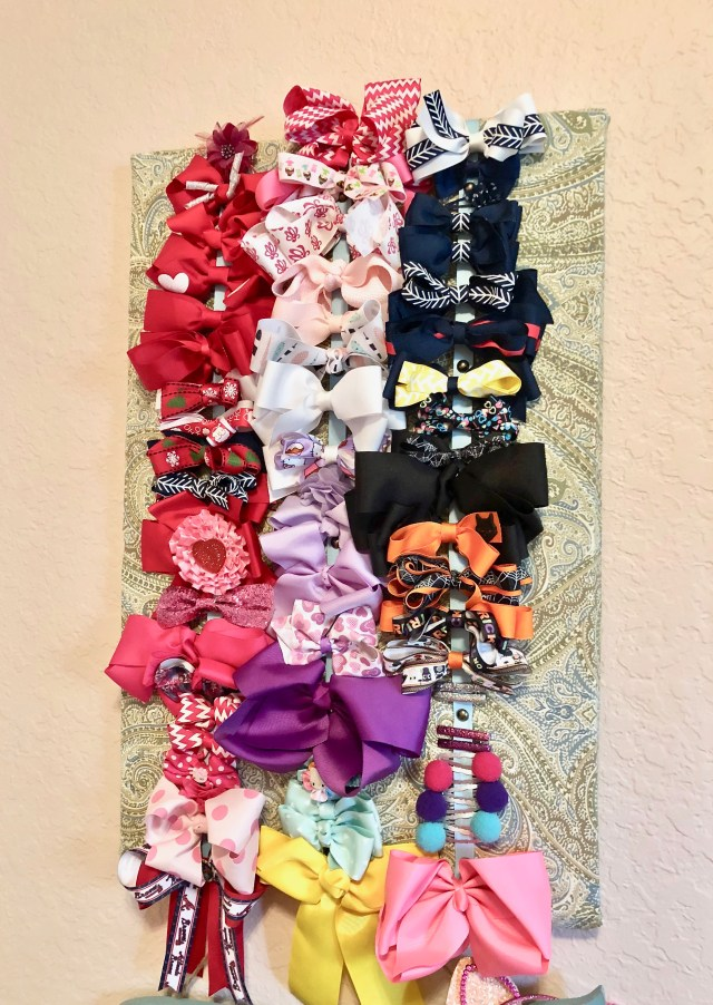 Super Simple Upcycled Bow Organizer