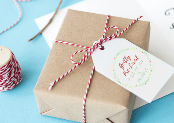 "Gift tag that reads, ""Gently Pre-Loved, A Gift For You & The Planet"" - 5 Ways To Give Eco-Friendly Holiday Gifts With Printable Card & Gift Tags"