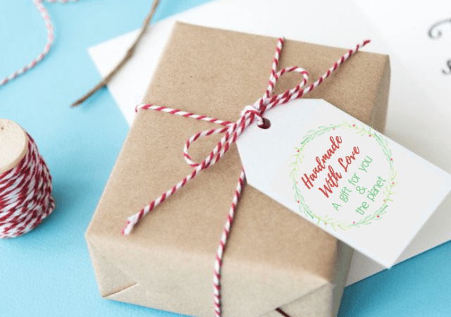 """Gift tag that reads, """"Homemade With Love, A Gift For You & The Planet"""" - 5 Ways To Give Eco-Friendly Holiday Gifts With Printable Card & Gift Tags"""