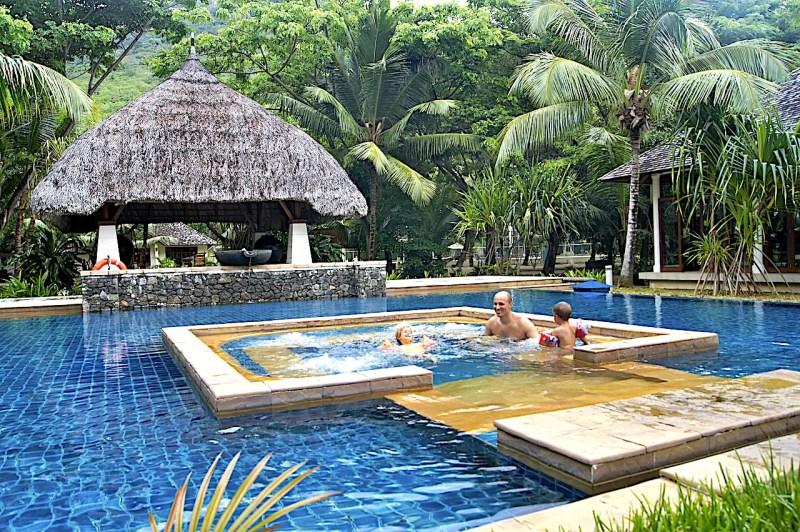 Hilton Labriz Hot Tub