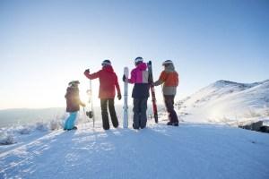 Plan Your Perfection Family Vacation to Lake Tahoe | Family Ski Vacation | Family Snow Trip | California Ski | #familytravel #skitravel #USski #skidestination #CaliforniaSki #LakeTahoe #SouthTahoe #TahoeSouth #SkiingwithKids #familyskivacation