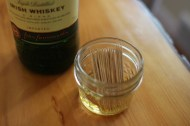 Dads and grandpas seem to love toothpicks. Why not make some in their favorite flavor? http://www.artofmanliness.com/2014/12/11/25-diy-gifts-for-men-updated-for-2014/
