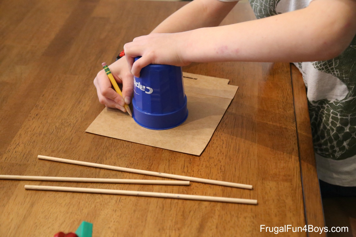 Magic Spinning Pen A Magnet Science Experiment For Kids