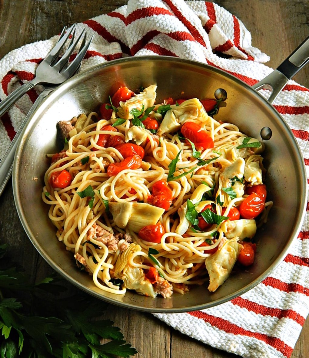 Pasta with Tuna, Tomatoes, Artichokes