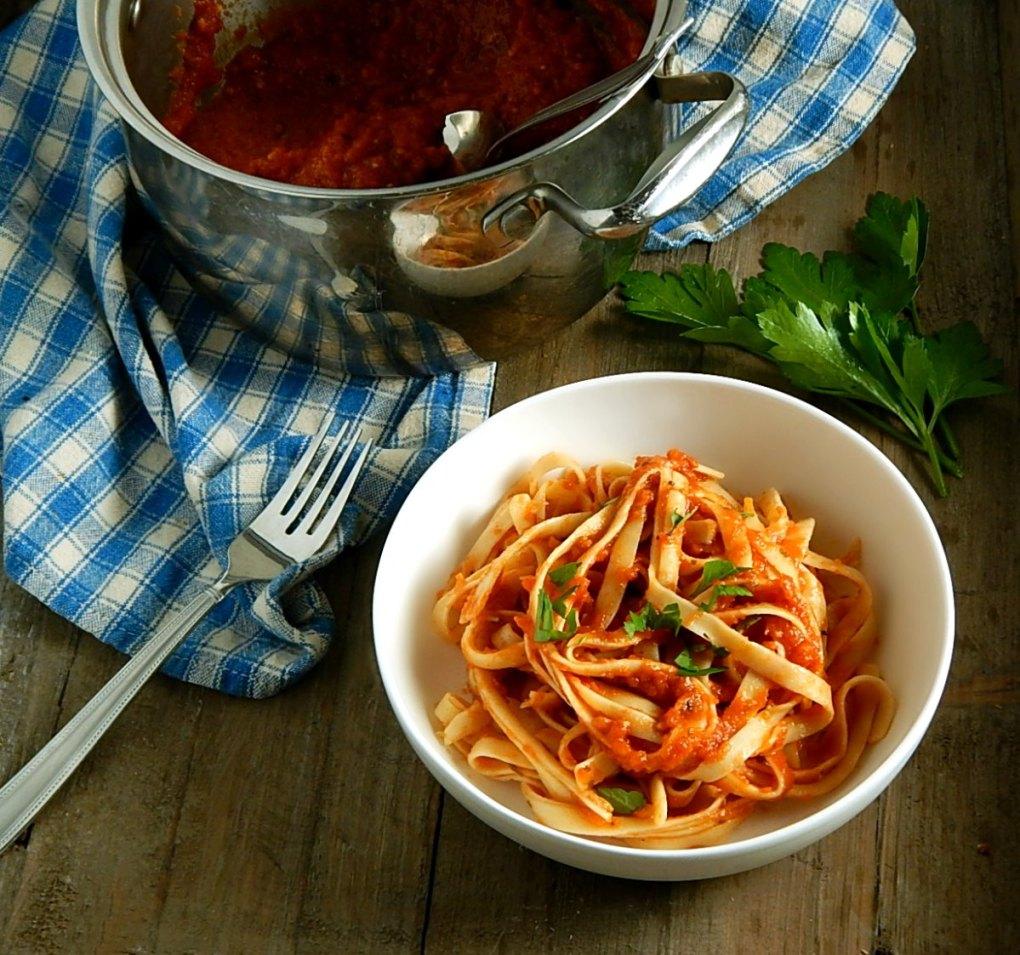 Simple Quick Italian Tomato Sauce