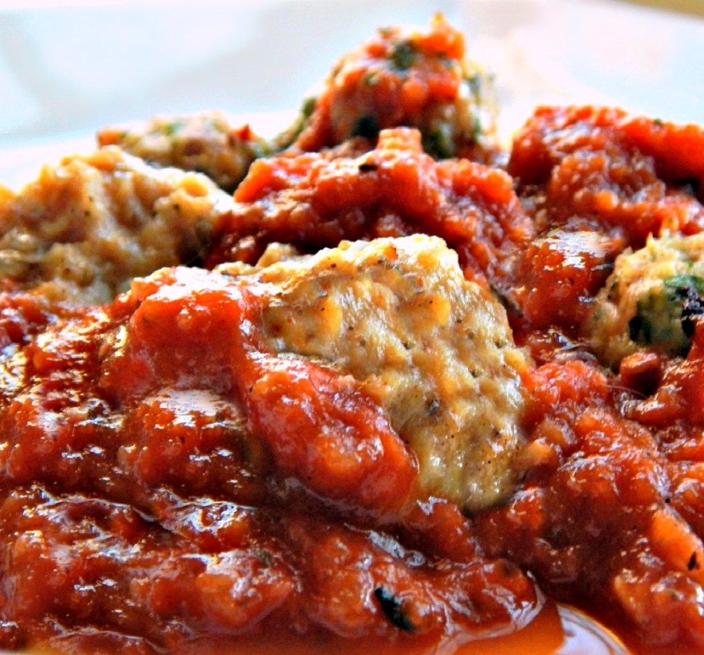 Turkey or Chicken Ricotta Meatballs in Chunky Marinara