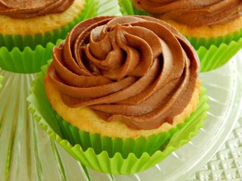 Basic Yellow Cupcake