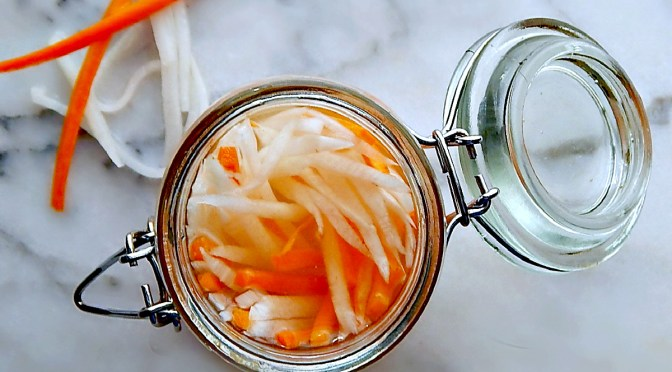 Simple Pickled Carrots & Daikon