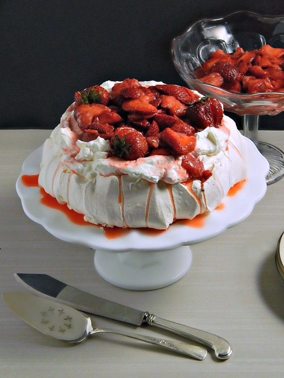 White Balsamic Strawberry Pavlova