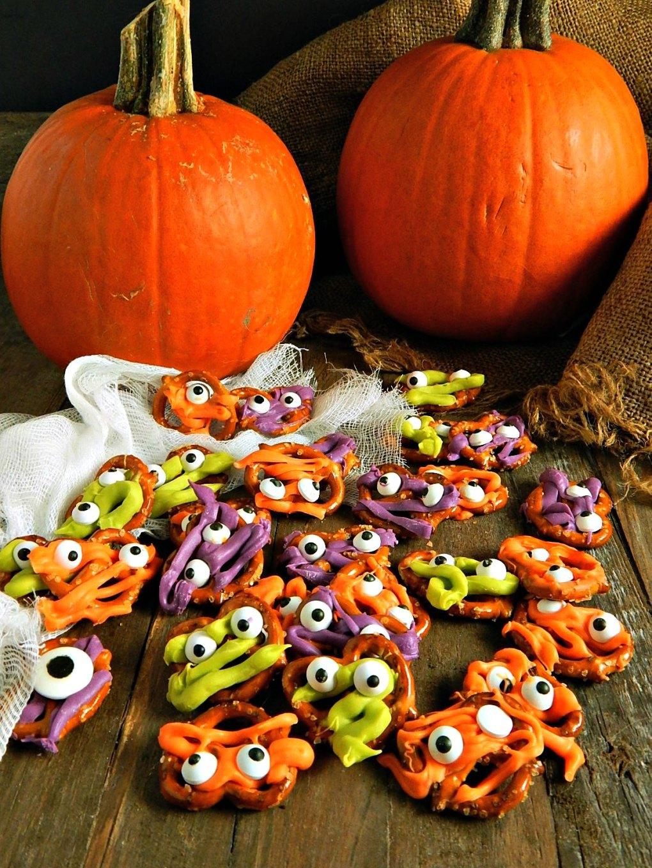 Halloween Pretzel Monsters