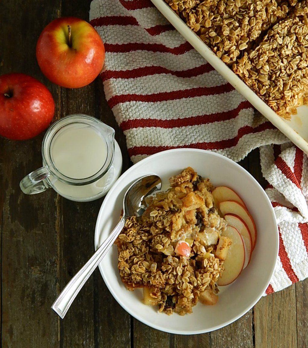 Make-Ahead Apple Baked Oatmeal