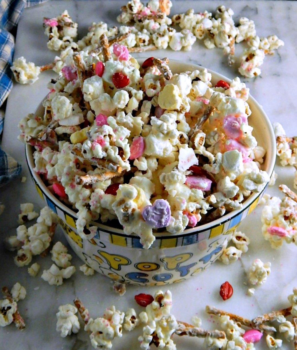 Valentines White Chocolate Popcorn