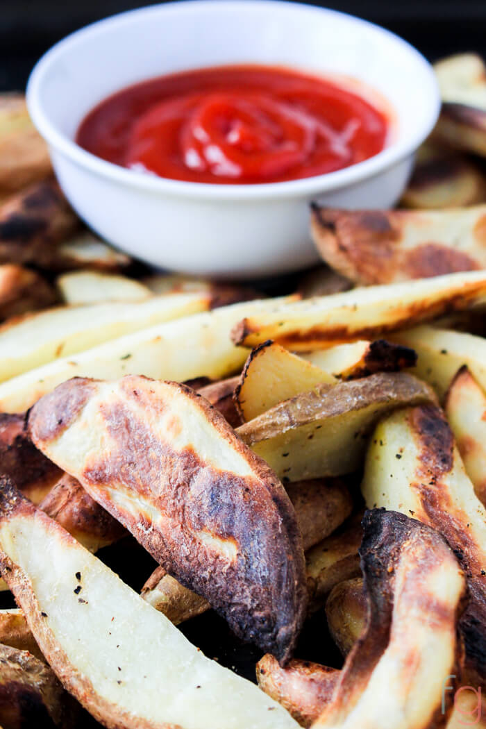 Crispy Oil Free Baked Fries - Simple recipe for perfect crispy fries! You probably have everything needed to make these right now.