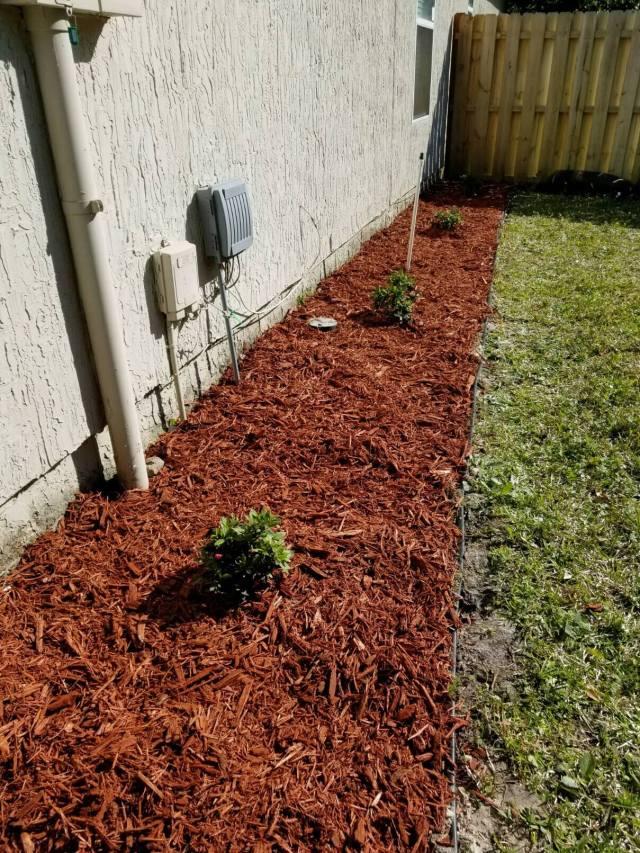 flower-bed-step5-mulch-photo