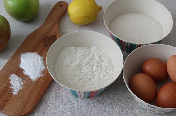 Продукты для приготовления шарлотки