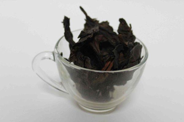 Листья сушеного бадана