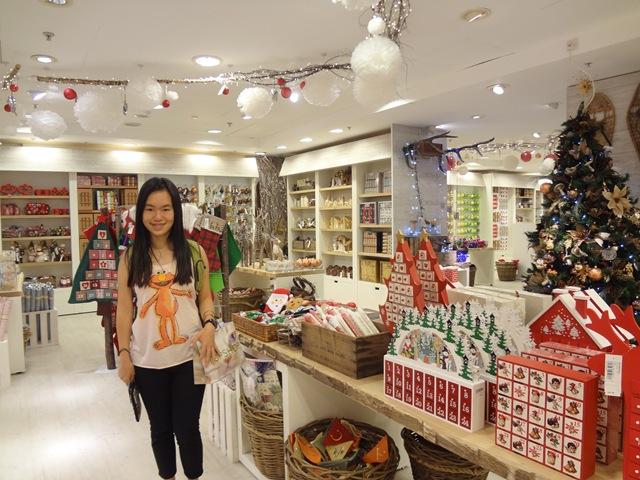 christmas_store.jpg