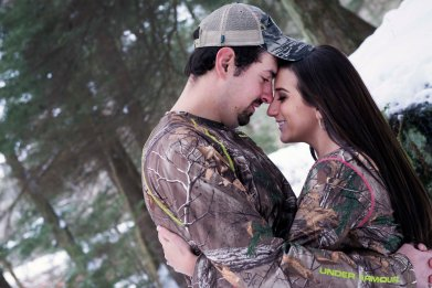 engagement portraits in camo
