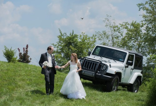 bride and groom pictures with Jeep