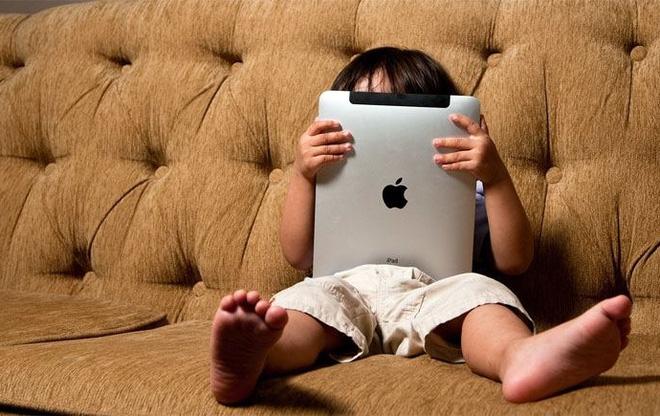 Trẻ con thời xưa, cái gì cũng thiếu nhưng sướng hơn thời nay  - Ảnh 2.