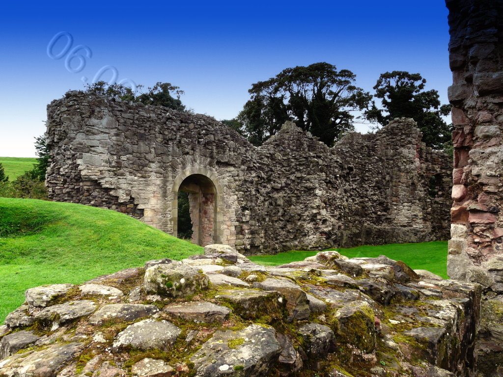 Hailes Castle 2009 01