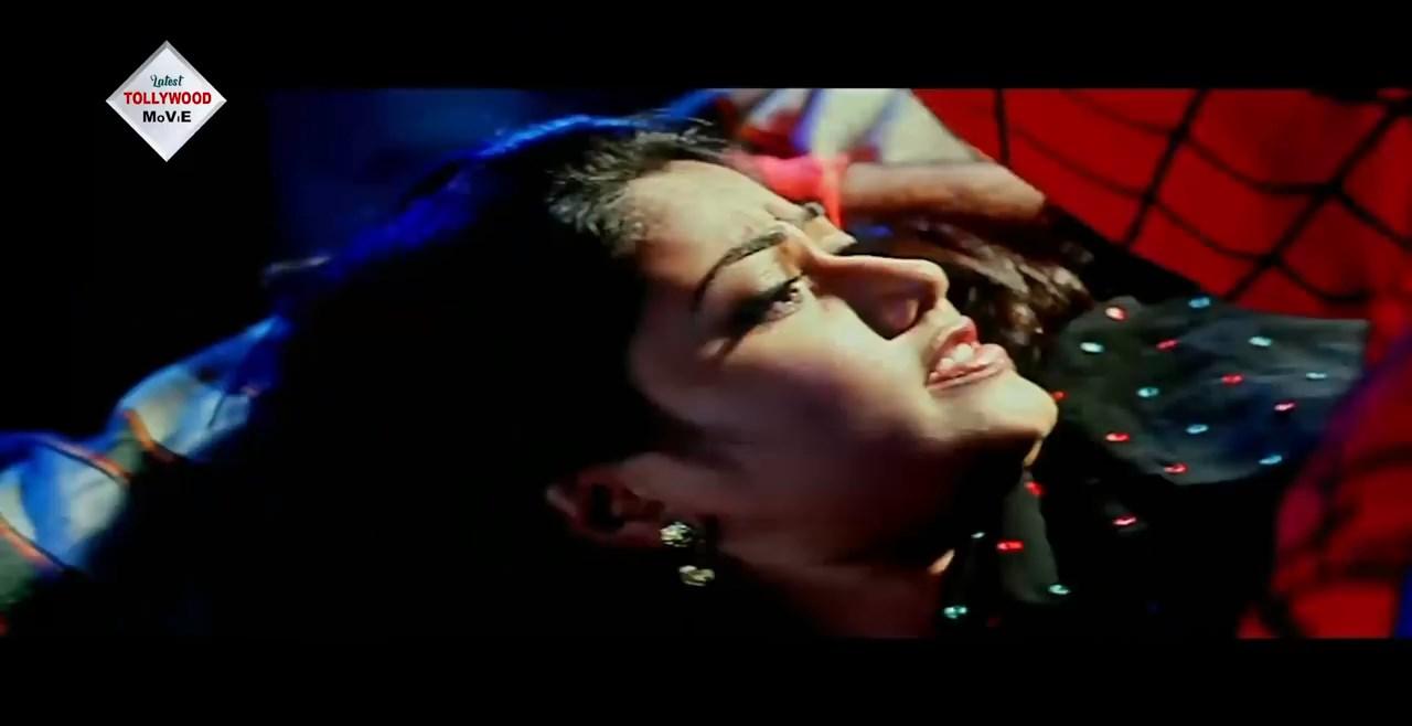 NAGINIR PRATIGHAT Bengali Dubbed Movie.mp4 snapshot 01.16.33.840