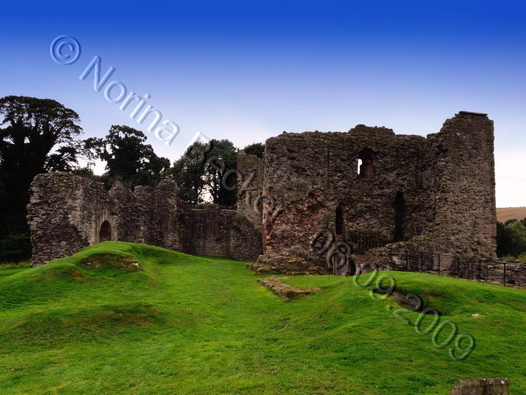 Hailes Castle 2009 02