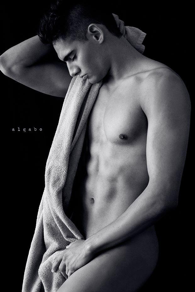 Alejandro by Algabo