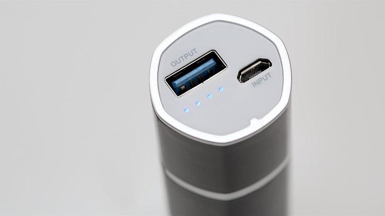 androidpit внешний аккумулятор usb 18