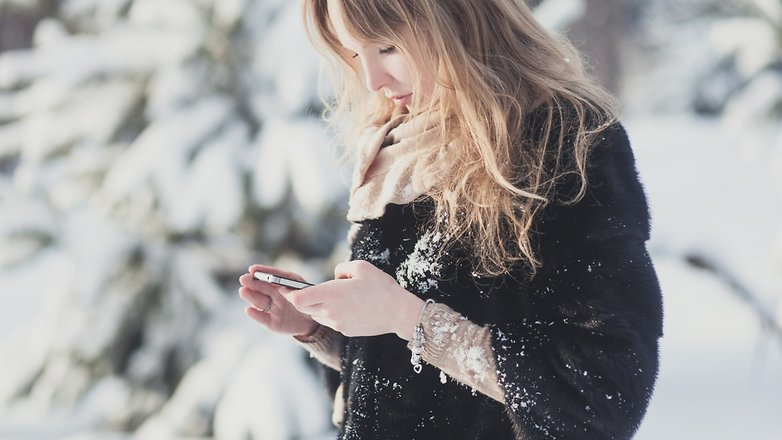 Androidpit Ира Ефремова На смартфоне зимой 2