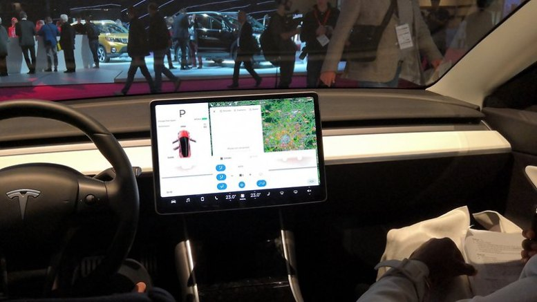 androidpit tesla model 3 inside