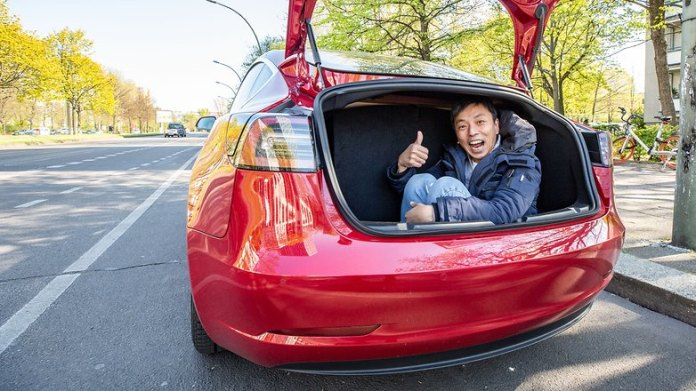 AndroidPIT tesla model 3 trunk2