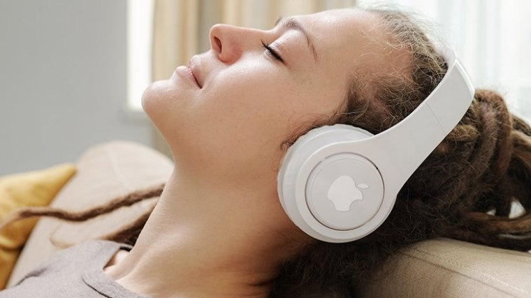 MotionArray apple headphones